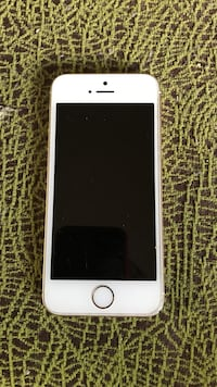 Gold and white iPhone 5se