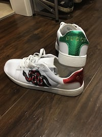 Gucci shoes size 9-10 Langley, V1M