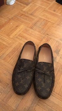 pair of black leather slip-on shoes Toronto, M3M 1H3
