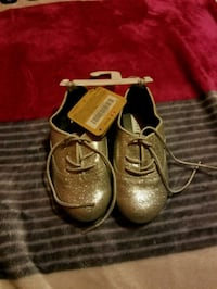 Toddler glitter shoes size 7 Fresno, 93711