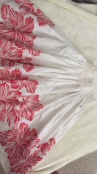 White and red handmade pa'u skirt Honolulu, 96822