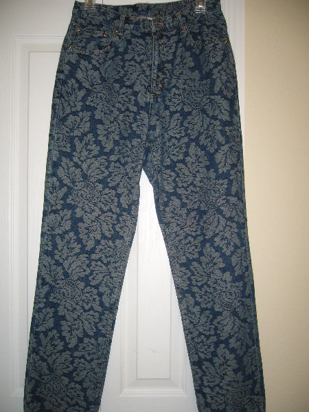 CHICO'S FLORAL PRINT JEANS SIZE 0.5 Orlando