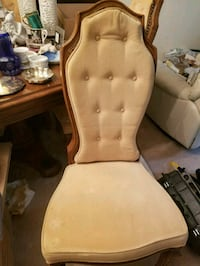 8 dining room chairs-2 with arms in good condition Annandale, 22003