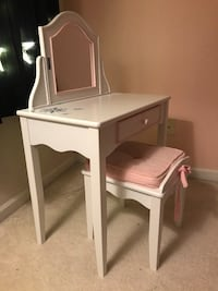 Little/small desk and chair for a little lady Morrisville, 27560