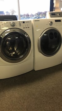 Samsung front load washer dryer set good working condition warranty