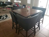 Counter height bar table w/8 person seating Moreno Valley, 92555