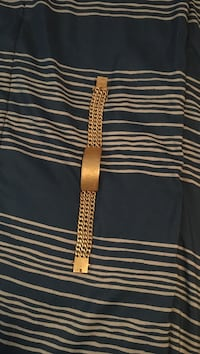 Gold-colored chained bracelet