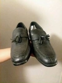 pair of black leather dress shoes Glendale, 85301