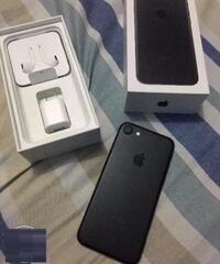 Iphone 7 complete with box and accesories Calgary, T1Y 5V2