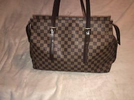 Selling my authentic Louis Vuitton bag