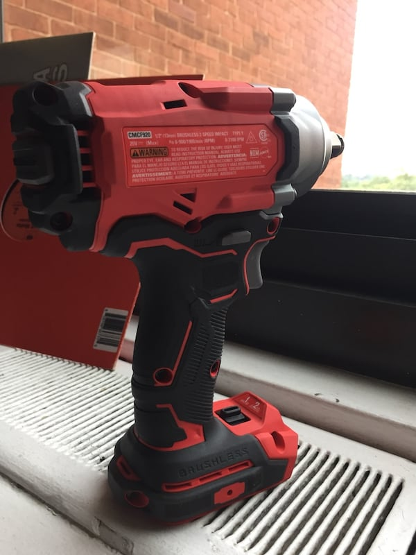"""Craftsman 1/2'"""" (13mm) Impact Wrench 20v with battery included  16ee29d9-a8a5-4941-842b-84b11a1d6d5d"""