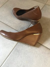 Brown wedges  Dundas, L9H