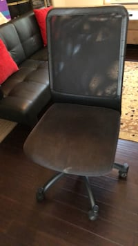 black leather padded rolling chair Fairfax, 22033