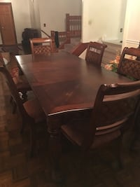 Rectangular brown wooden dining table with chairs Alexandria, 22309