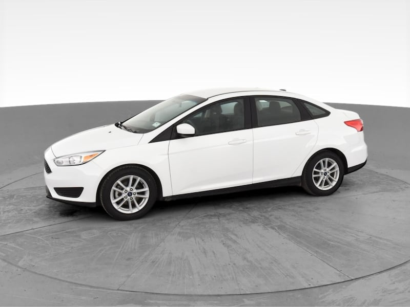2018 Ford Focus sedan SE Sedan 4D White <br /> 3