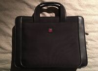 *NEW* Swiss Army BLACK Lyon&Leather Laptop Carrying Case