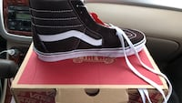 Shoes brand new never  worn a mens size 9 257 mi