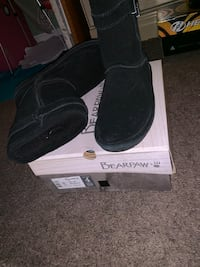 Size 4 bear pea boots  Owings Mills, 21117