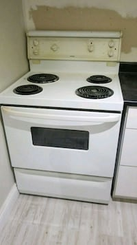 white and black 4-coil electric range oven Mississauga, L4T 3M9