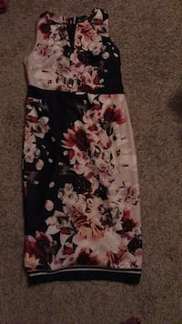 black and red floral sleeveless dress 1215 mi