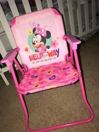 Pink minnie mouse chair  36 km