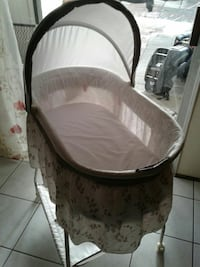 baby's white and brown bassinet San Jose, 95121