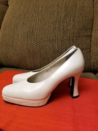 Women shoes size 6and half  Toronto, M2N 6H9