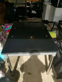 Tempered glass expandable dining table Brampton, L6P