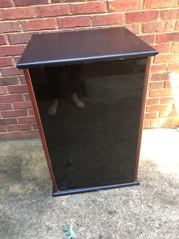 Used 35 gallon vertical fish tank stand and decorations for