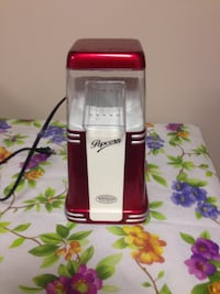 Popcorn maker like New only used one time