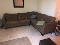 Brown leather couch  Pompano Beach, 33062