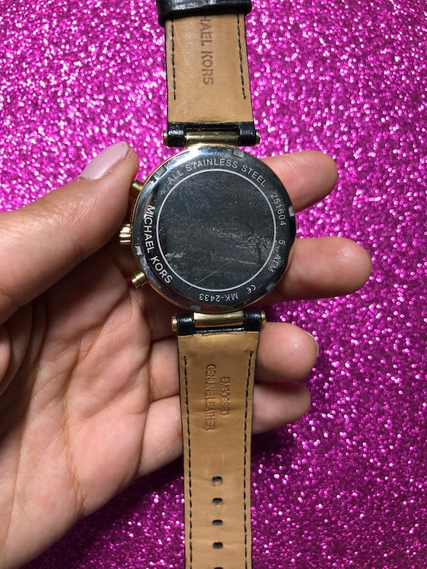 Michael kors watch with black leather strap 1db5d7ad-5112-494b-bff7-355a96915425