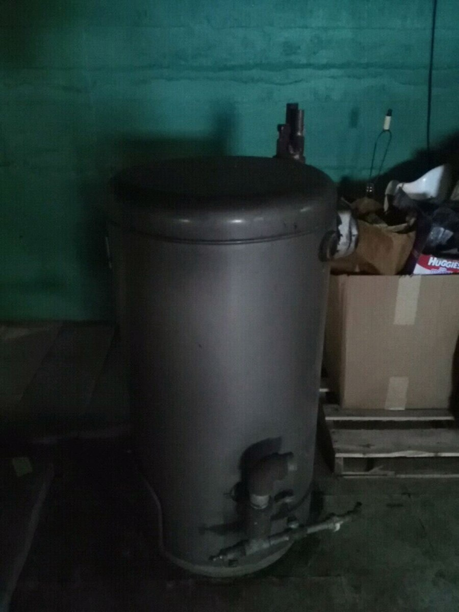 Photo Gray and black water heater
