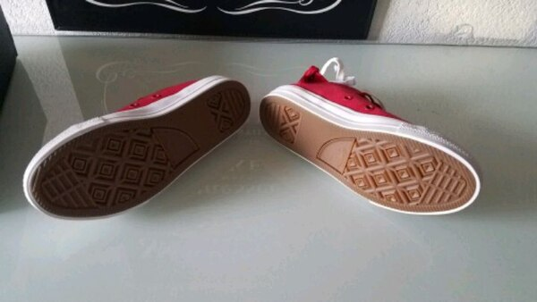 more photos 48527 c0400 Used CONVERSE(BRAND NEW)SIZE 1 YOUTH for sale in San Leandro - letgo
