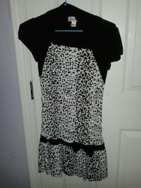 Girls dress white and black comes with vest attached Los Angeles, 90026