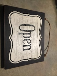 Wooden open/close sign