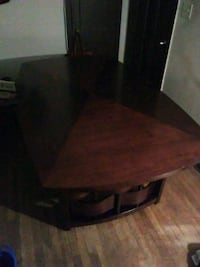 Beautiful table with 8 chairs Valdosta
