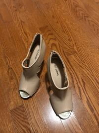 Call it spring heels size 8 Richmond Hill, L4E 4W4