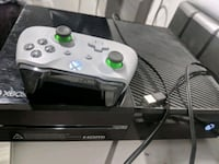 Xbox one controller and games bundle Toronto