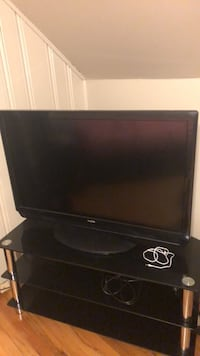 black LG flat screen TV Forest Heights, 20745