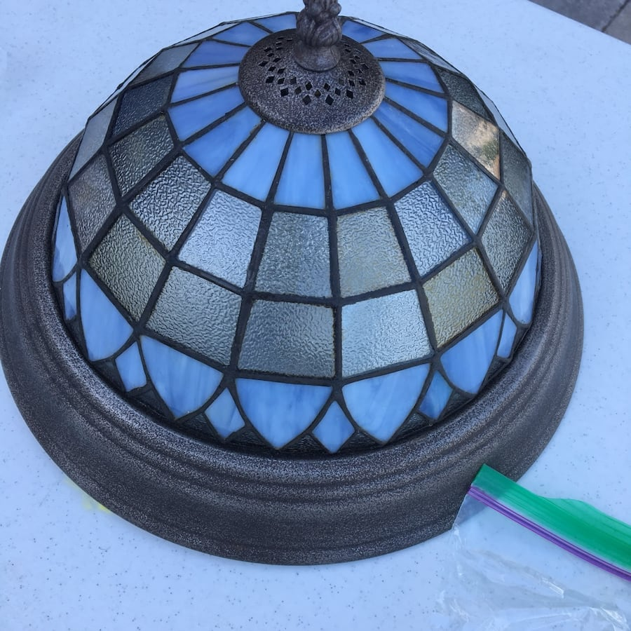 Flush mount ceiling light, stained glass style