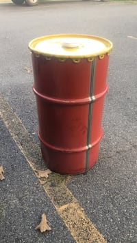 15 gallon oil drum with lid. Have 5 total  Sherwood, 72120