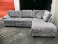 Sectional couch with chase lounge 420 Chesapeake, 23325