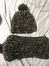 Knitted hat and scarf set  Cleveland, 44115