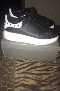 Alexander Mcqueens for sale negotiable Size 8.5 New Orleans, 70128