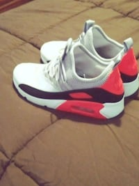 pair of white-and-red Air max shoes Baltimore, 21216