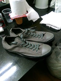 Blk and grey converse hard to find  Phoenix, 85017
