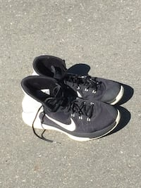 Nike basketball shoes North Saanich, V8L