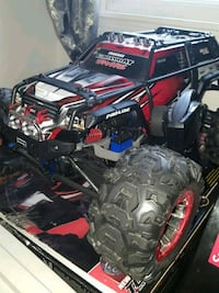 Traxxas summit willing to trade for a phone  Peterborough, 03458