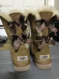 Bailey now ugg boots size 7 Columbia, 21044